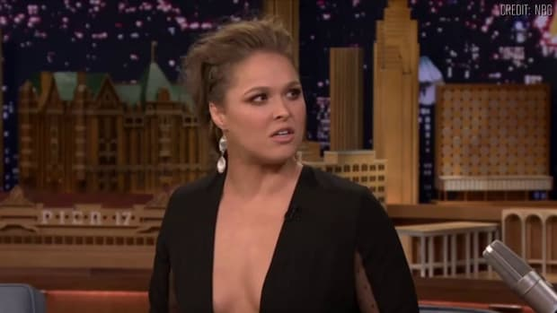 Ronda Rousey talks Floyd Mayweather feud on Tonight Show with Jimmy Fallon--IMAGE