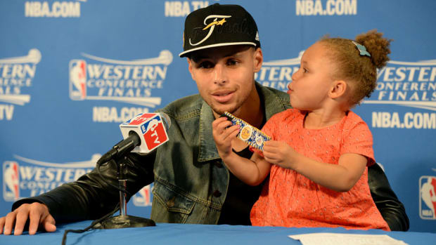 riley-curry-steph-curry-press-conference.jpg