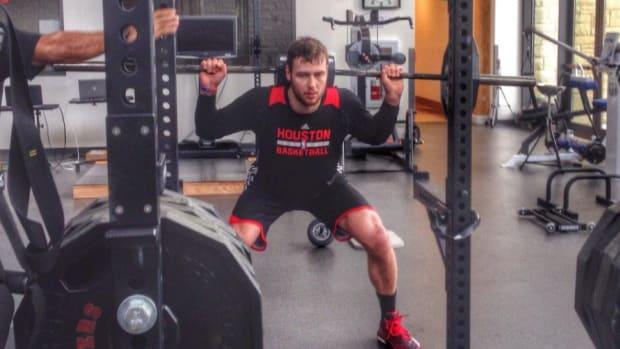 Rockets' Donatas Motiejunas defends his workout routine