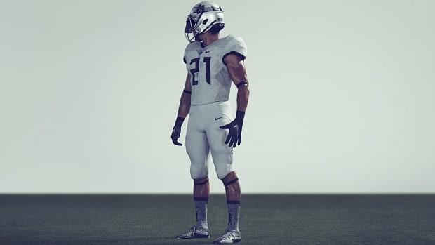 oregon-ducks-football-pioneer-lewis-clark-uniforms.jpg