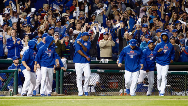 Six Cubs hit home runs in NLDS Game 3 win to set MLB postseason record--IMAGE