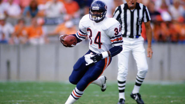 Barry Sanders reflects on the all-time greatest running backs - Image