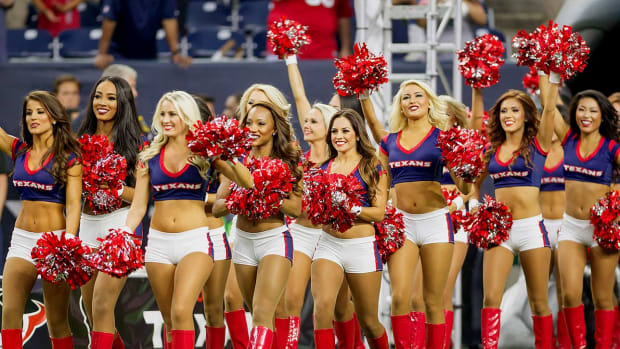 Houston-Texans-cheerleaders-DBA150822_Broncos_vs_Texans13.jpg