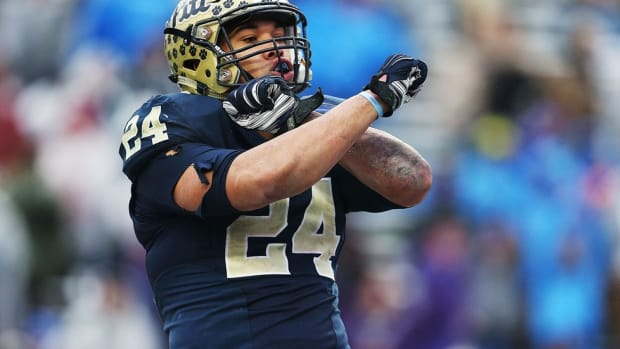 Community rises to support beloved Pitt running back James Conner after Hodgkin lymphoma diagnosis