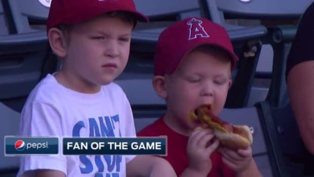 los-angeles-angels-hot-dog-fan.jpg