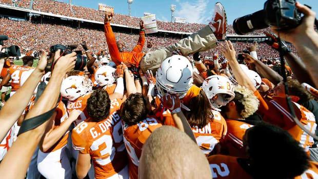 charlie-strong-texas-longhorns-beat-oklahoma-sooners.jpg