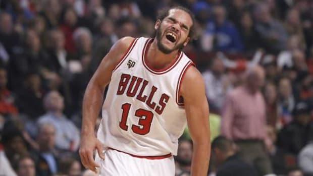 Bulls F Joakim Noah leaves games vs. Nets with shoulder sprain - IMAGE