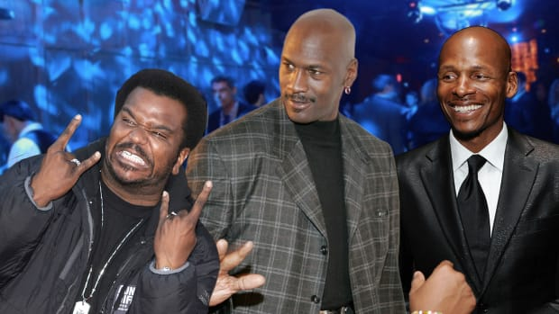 Craig Robinson: How to sneak a selfie with Michael Jordan-image