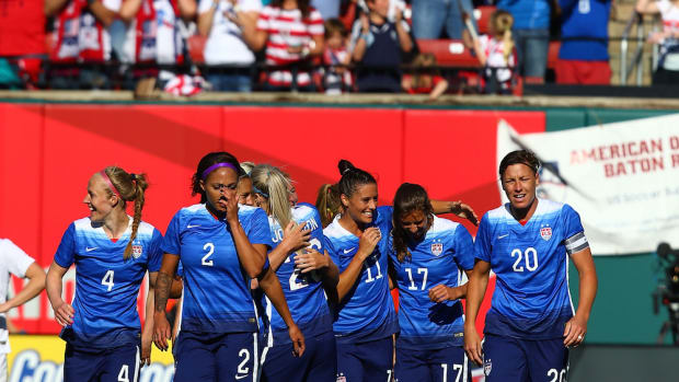 us-womens-national-team-mothers-day.jpg