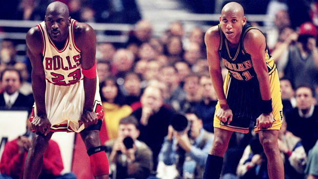 Reggie Miller-talked-trash-to-Michael-Jordan-as-rookie
