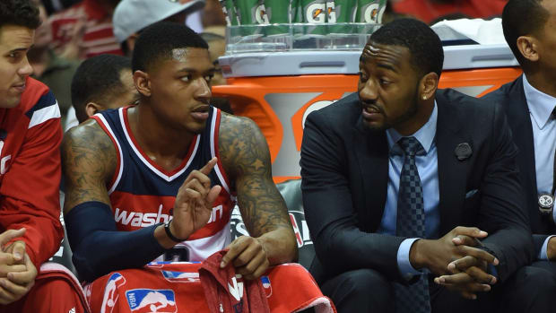 john-wall-wizards-out-game-3-hawks-playoffs.jpg