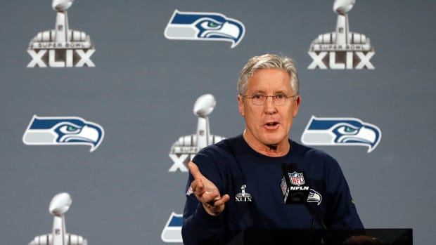 Pete Carroll: Referees to use specific hand signal for ineligible receivers IMAGE