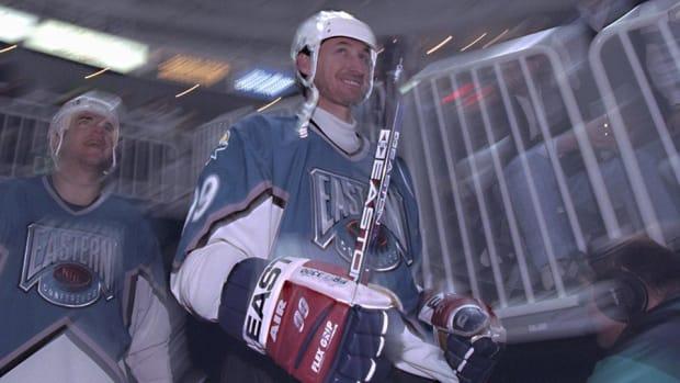 Wayne-Gretzky-Jamie-Squire.jpg