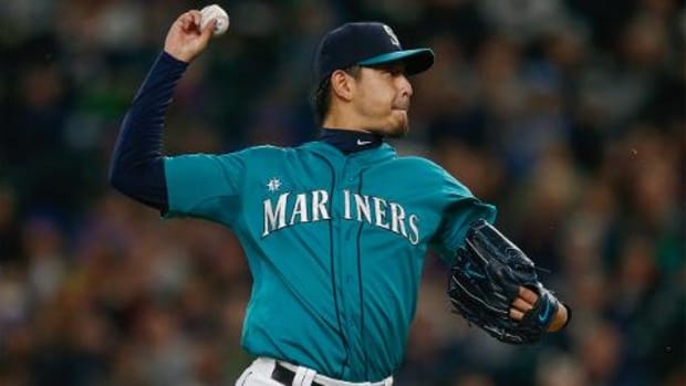 Report: Dodgers agree to sign ex-Mariners pitcher Hisashi Iwakuma--IMAGES