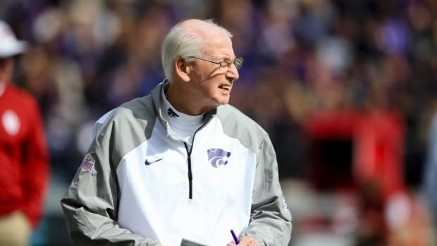 Campus Clicks: Snyder apologizes to Kansas State students, Arizona complains about late kickoffs