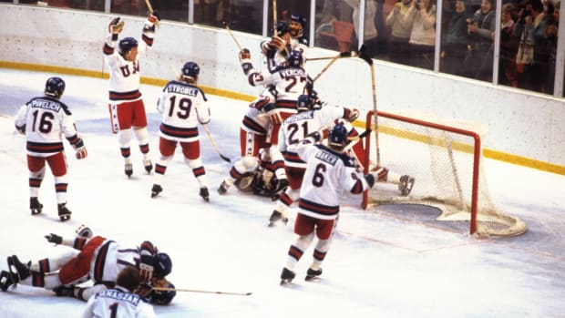 Miracle_celebration_NHL_960.jpg
