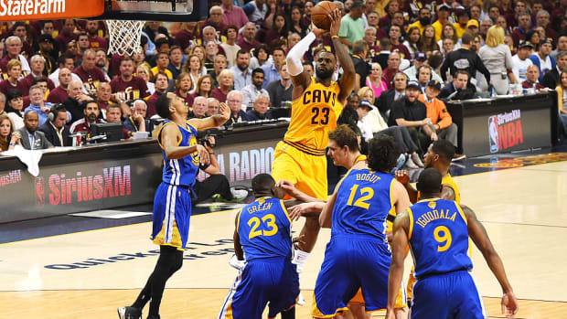 lebron-james-cavaliers-warriors-nba-finals-most-points.jpg