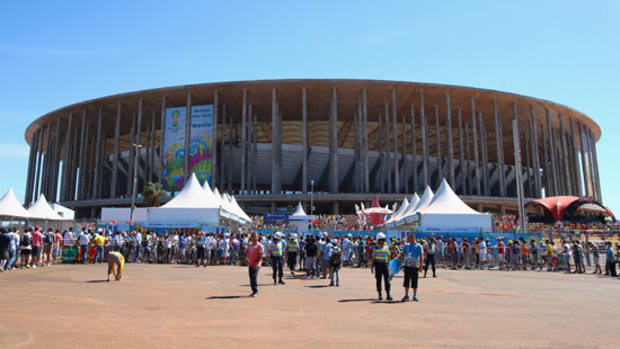 mane-garrincha-stadium-brasilia-nacional