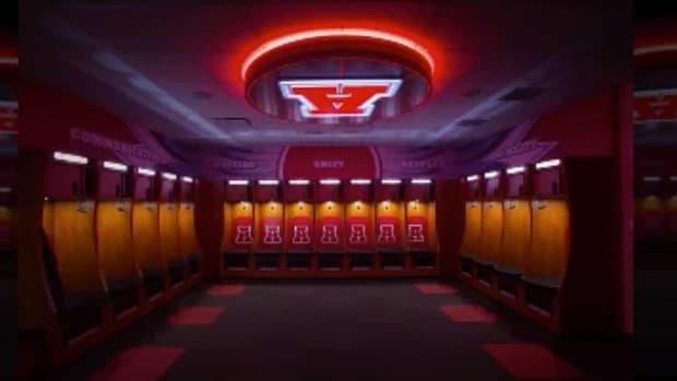 Wisconsin high school unveils $662,000 locker room renovations IMAGE