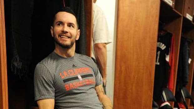 Clippers' J.J. Redick sprints away from postgame interview - IMAGE