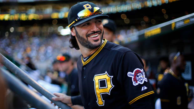 pittsburgh-pirates-sean-rodriguez-diving-catch-video.jpg