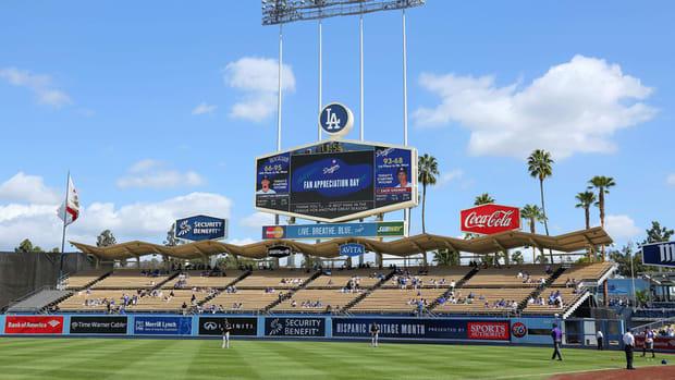 Dodgers sign Cuban pitcher Pablo Fernandez