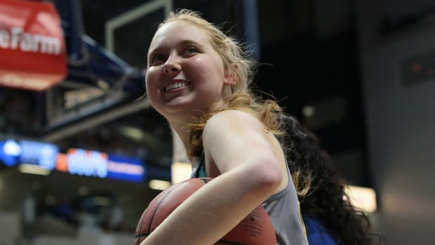 Lauren Hill honored at ESPYs with Best Moment award IMAGE