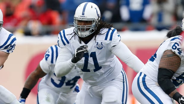 Colts OT Xavier Nixon misses flight, out vs. Patriots image