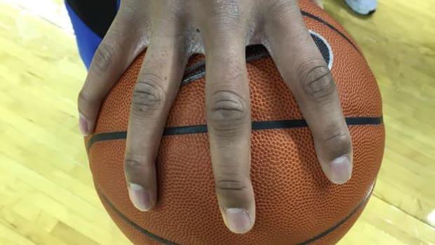 duke_jahlil_okafor_hands_basketball.jpg