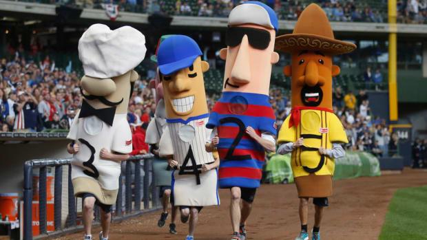 milwaukee brewers sausage race hot dog