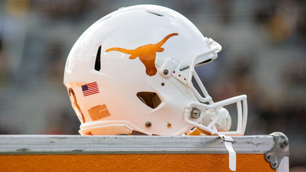 sterlin-gilbert-texas-longhorns-football-offensive-coordinator-tulsa.jpg