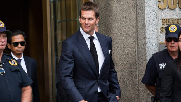 Brady won't attend Wednesday hearing after settlement talks stall--IMAGE