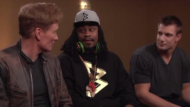 Conan hosts Marshawn Lynch and Rob Gronkowski video game battle