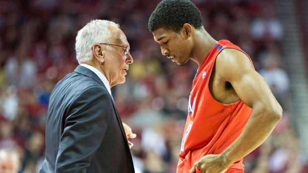 SMU hit with 2016 postseason ban, Larry Brown suspended - IMAGE