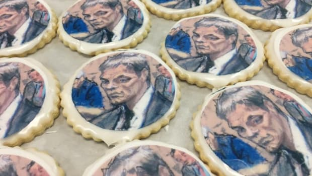 new-england-patriots-tom-brady-indianapolis-bakery-cookies.jpg