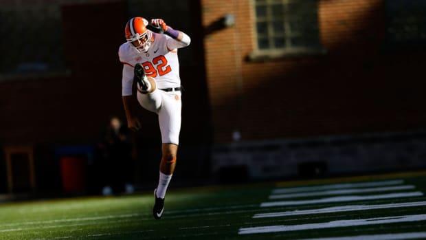 Clemson punter Bradley Pinion enter NFL draft