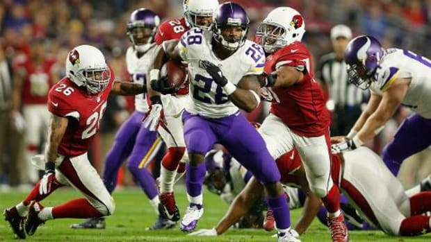 Vikings RB Adrian Peterson scores 100th career touchdown--IMAGE