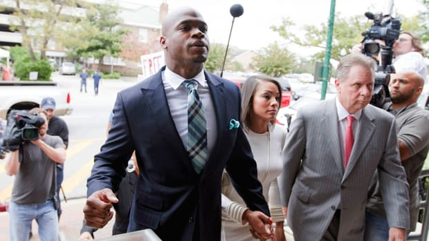 Adrian Peterson ruling overturned Minnesota NFLPA suspension