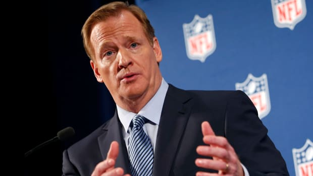 Lawmakers ask NFL to punish teams that don't address domestic violence