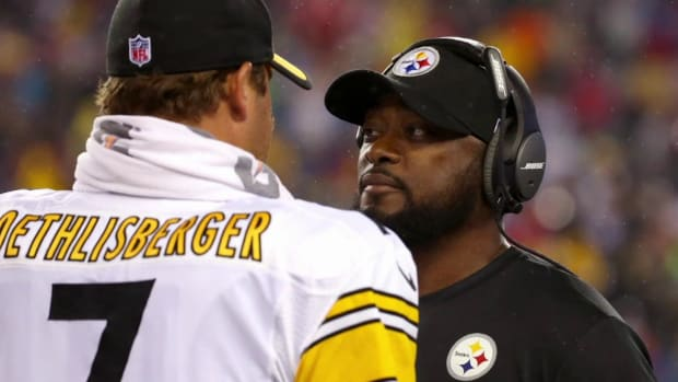Tomlin, Steelers hear Patriots' radio broadcast in game headsets--image