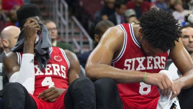 76ers fall to Grizzlies, 92-84, tie 2009-10 Nets for worst start in NBA history - IMAGE