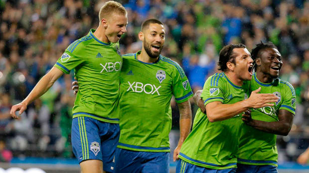 clint-dempsey-seattle-sounders-rally-fc-dallas-mls-playoffs-960.jpg