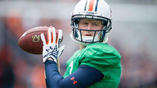 Auburn names new starting quarterback - IMAGE