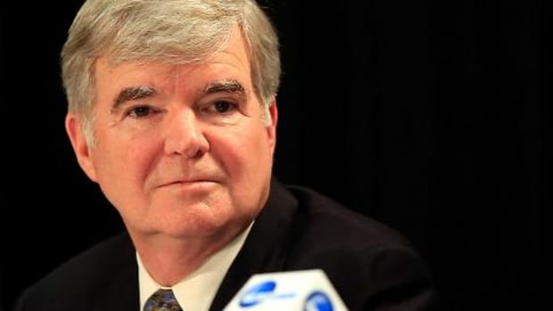NCAA president Emmert suggests re-examining bowl bid system--IMAGE