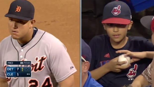 Tigers' Miguel Cabrera rewards young Indians fan for foul ball catch-- IMAGE