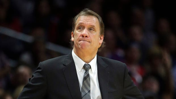 Report: Timberwolves coach Flip Saunders has downturn in health--IMAGE