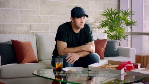 Rex Ryan, Tony Romo star in new Pizza Hut commercial