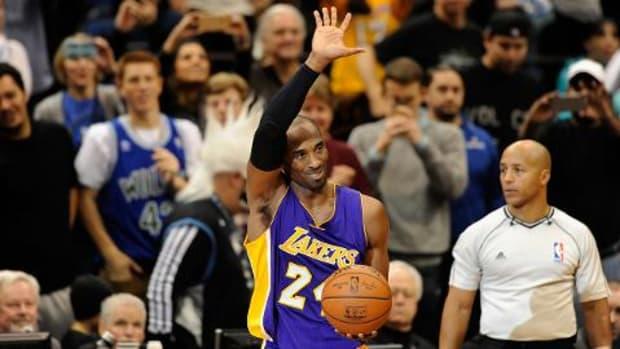 Lakers guard Kobe Bryant announces retirement - IMAGE