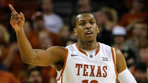 texas jonathan holmes concussion out