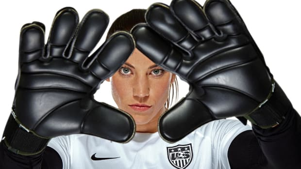 hope-solo-X159570_TK1_0463-raw_mask.jpg